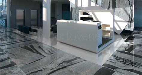 carrelage imitation marbre noir carrelage effet marbre en gr 232 s c 233 rame porto venere