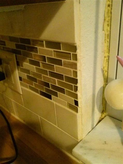 tiling a kitchen backsplash do it yourself backsplash trouble doityourself community forums 9799