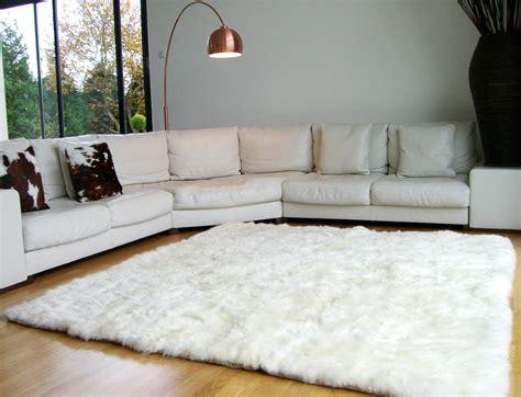 tapis poil blanc pas cher tapis en peau de mouton blanc