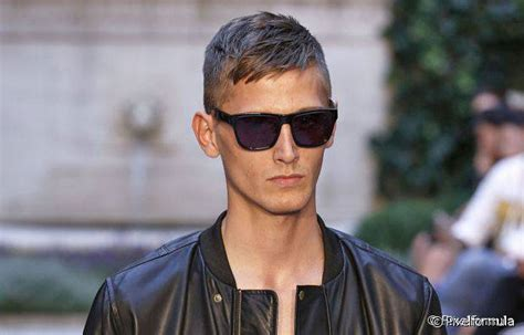 Men's Hairstyles To Cover Up A Receding Hairline