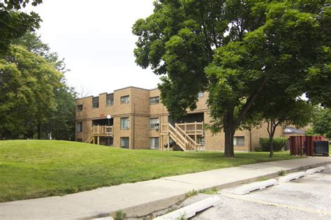 evergreen terrace apartments evergreen terrace apartments rentals chicago il