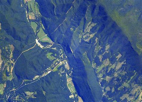 Rock Climbing Destination Seneca Rocks West Virginia