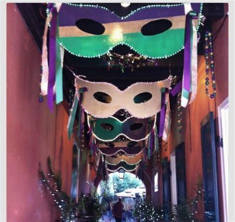 Mardi Gras Mask Door Decoration by 25 Best Ideas About Mardi Gras Masks On