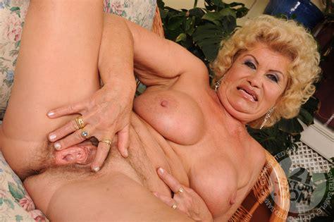 Mature Sex Granny Effie Porn