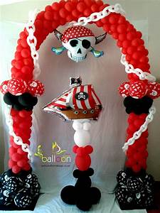 Pirate Balloon Arch & Pillar
