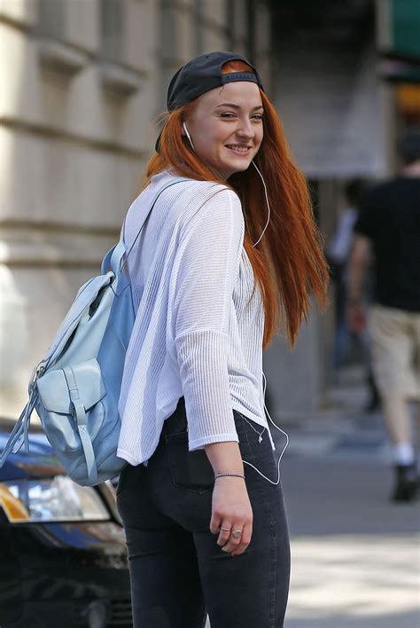 SOPHIE TURNER Out and About in Manhattan 05/03/2015 ...