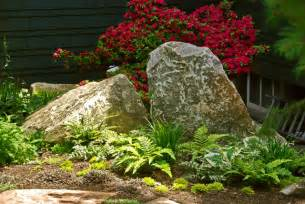 Landscaping with Boulders Rocks Ideas