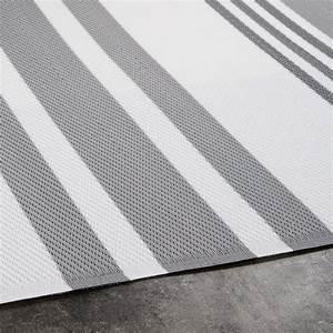 Tapis Blanc Et Gris : tapis de jardin en tissu ray gris et blanc 120x180 rivage ~ Melissatoandfro.com Idées de Décoration