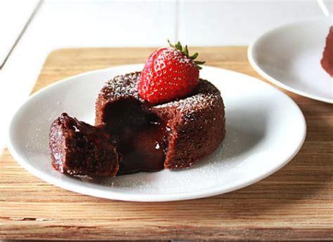 resep molten lava cake  moist  lumer aneka resep bolu