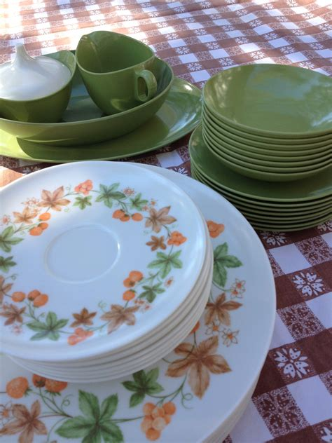 cuisine retro vintage vintage oneida melamine dishes collection of 44 pieces marked