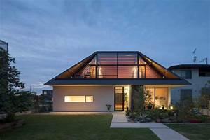 maison avec un large toit en croupe vitre With toit en verre maison