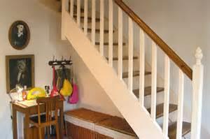 escalier peint blanc et bois sous l escalier visitez la maison de sandrine journal des femmes