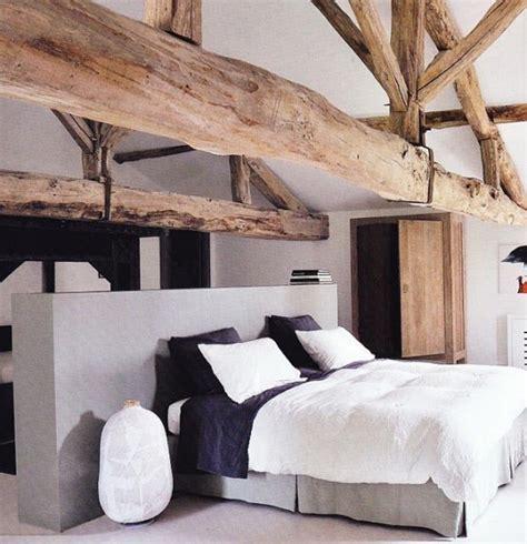 chambre avec poutres apparentes chambres avec poutres apparentes en bois voici 20 exemples
