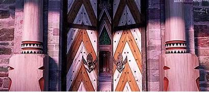 Outside Frozen Allowed Anna Disney Castle Gates