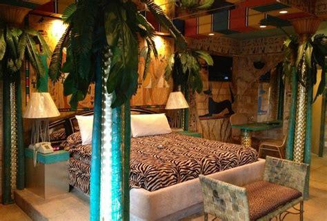 themed hotel rooms weirdest themed fantasy suites  nj