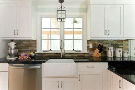 farmhouse sink and pendant lighting farmhouse kitchen