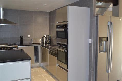 frigo americain dans cuisine equipee cuisine avec frigo americain maison collection avec frigo