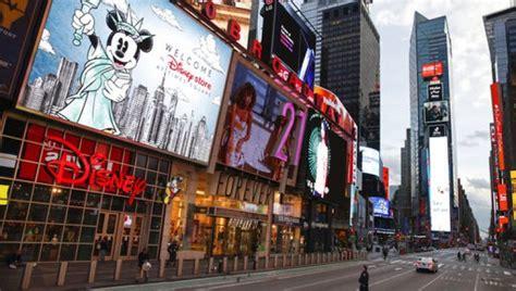 city sleeps     empty  york city streets