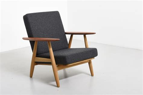 cigar chair in oak and teak hans j wegner