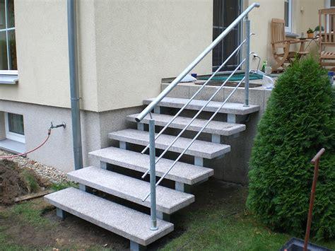 außentreppe mit podest stein au 223 en treppen eingangstreppe baustoffe st 252