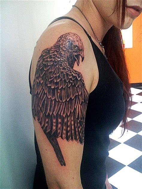 falcon tattoos designs ideas  meaning tattoos