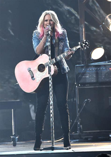 miranda lambert won female vocalist   year