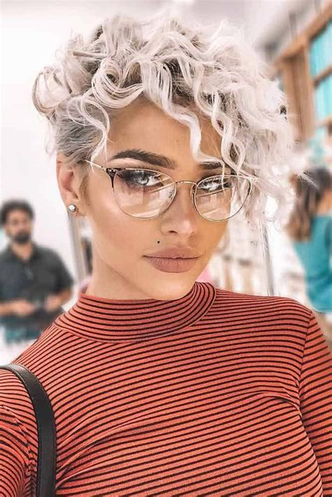 If you want a curly short hairstyle, pixie haircut is suitable for you. Top 15 Side Part Bob Haircuts Trending in 2019 in 2020 (With images)   Curly pixie haircuts ...