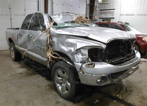 Boat Salvage Fargo Nd by 1d7hu18206j226146 Salvage Silver Dodge Ram Truck At Fargo