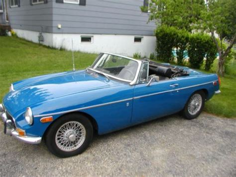 buy used 1972 mgb blue wire wheels chrome bumpers new radio optional hardtop in