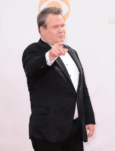 eric stonestreet royals modern family star pokes fun at giants fan on flight to
