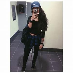 Full outfit black long sleeve shirt black joggers blue flannel Nike cap baddie ...