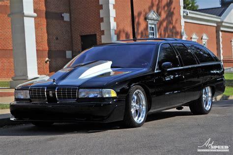 Built not Bought: Oldsmobile Custom Cruiser - autoevolution