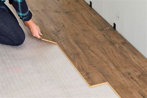 install laminate wood floor