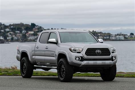 toyota tacoma limited lifted silver arrow cars