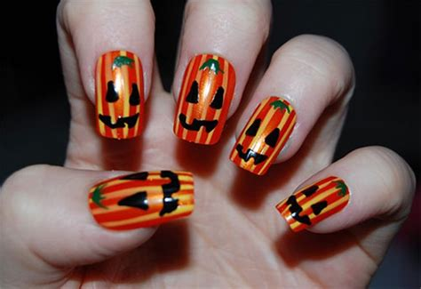 25 Scary Halloween Nail Art Ideas And Designs 2015