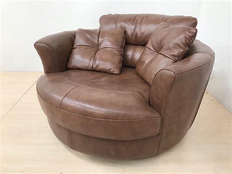 Swivel Cuddle Chair by Mizzoni Italia High Quality Leather Swivel Cuddle Chair