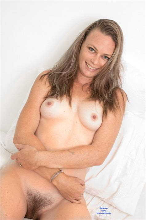 Hairy Pussy From A Smiling Naked Brunette February 2017