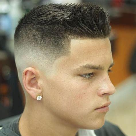 style rambut pendek pria  gaya model terbaru