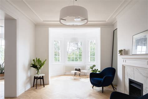 Minimalist Apartment : Stylish Minimalist Apartment With Spacious Open Spaces And