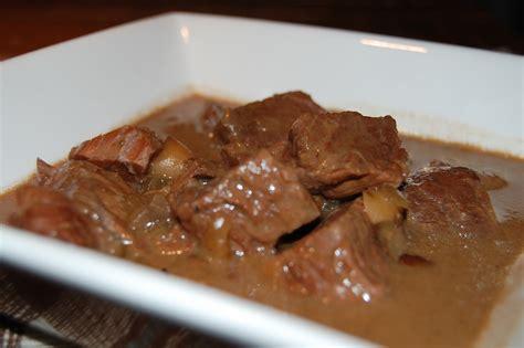 comment cuisiner un bourguignon boeuf bourguignon mijoteuse recettes du québec