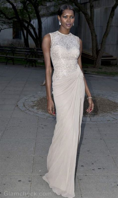 jessica white glams  red carpet  sequins  lace