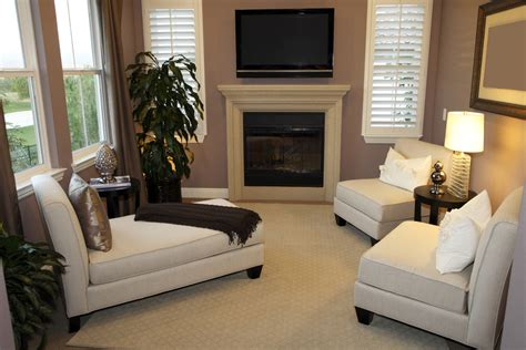 And White Chairs Living Room by Criterion Of Comfortable Chairs For Living Room Homesfeed