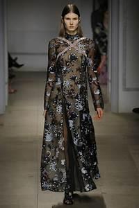 1001 idees pour une robe noire dentelle les accessoires With tapis chambre bébé avec robe a fleur hiver