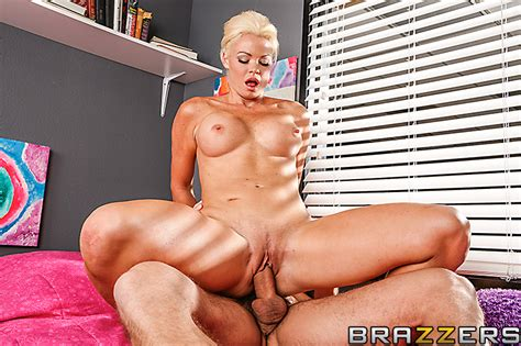Storm The Dorm With Rhylee Richards Brazzers Official