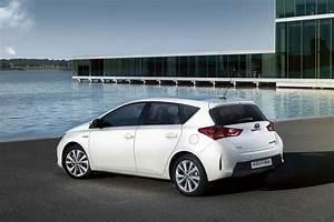 Avis Toyota Auris Hybride : toyota auris hybride ann e 2014 ~ Gottalentnigeria.com Avis de Voitures