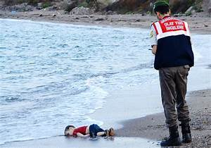 These heartbreaking photos put Syria's refugee crisis into perspective