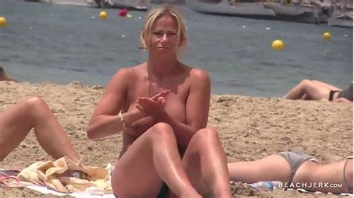 Slender Czech Pauline Get It Beach #Topless #Beach #Voyeur #Video #Of #A #Busty #Milf