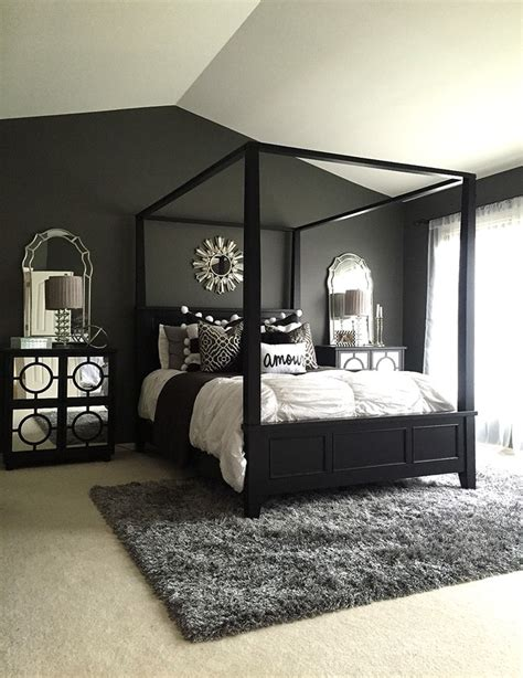 Bedroom Decorating Ideas With Black And White by Black Design Inspiration For A Master Bedroom Decor