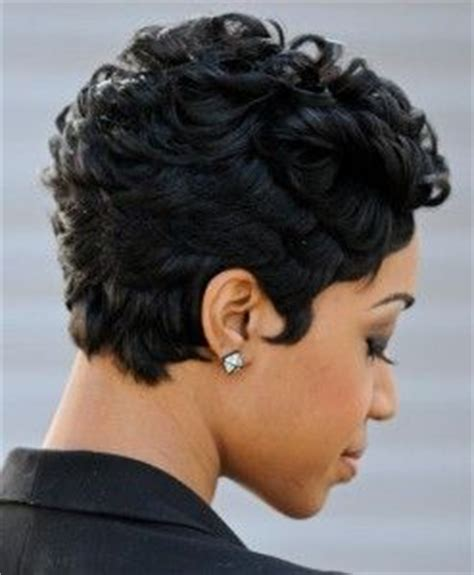 5 awesome short layered haircuts african american cruckers
