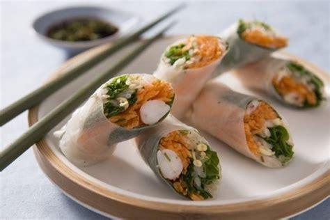 recette cuisine printemps recette de rouleau de printemps aux crevettes roses sauce